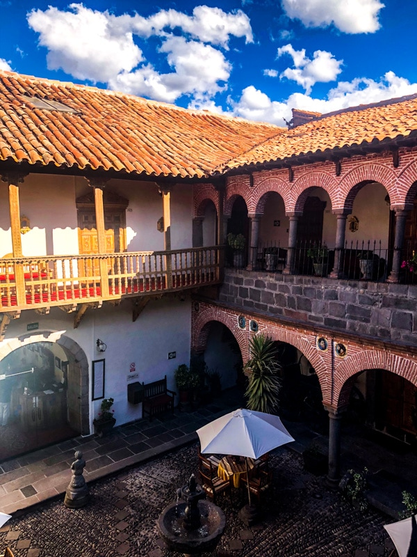 Interior courtyard view of the Hotel Marqueses.