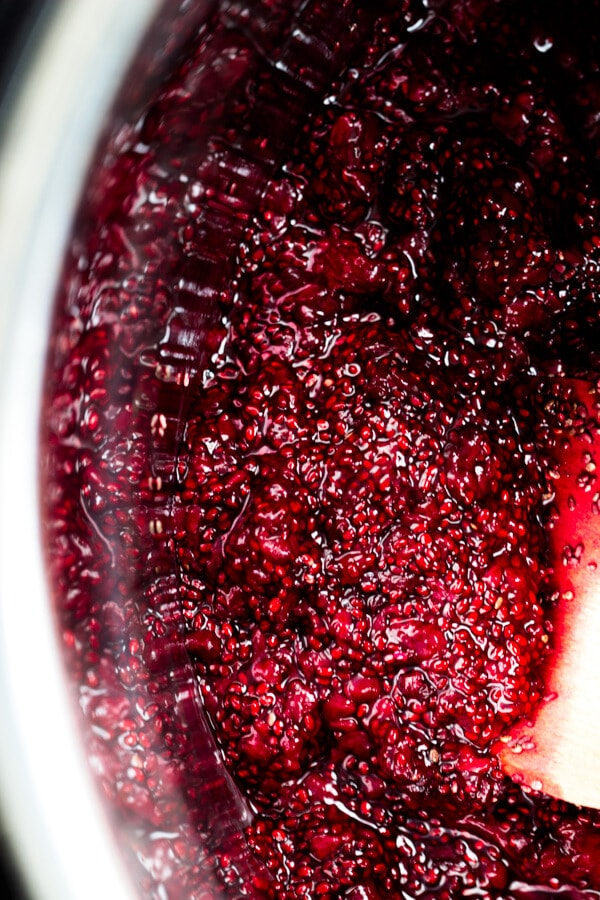 Allow the blackberry chia jam to rest so that the chia will continue to work their magic and thicken the berries.