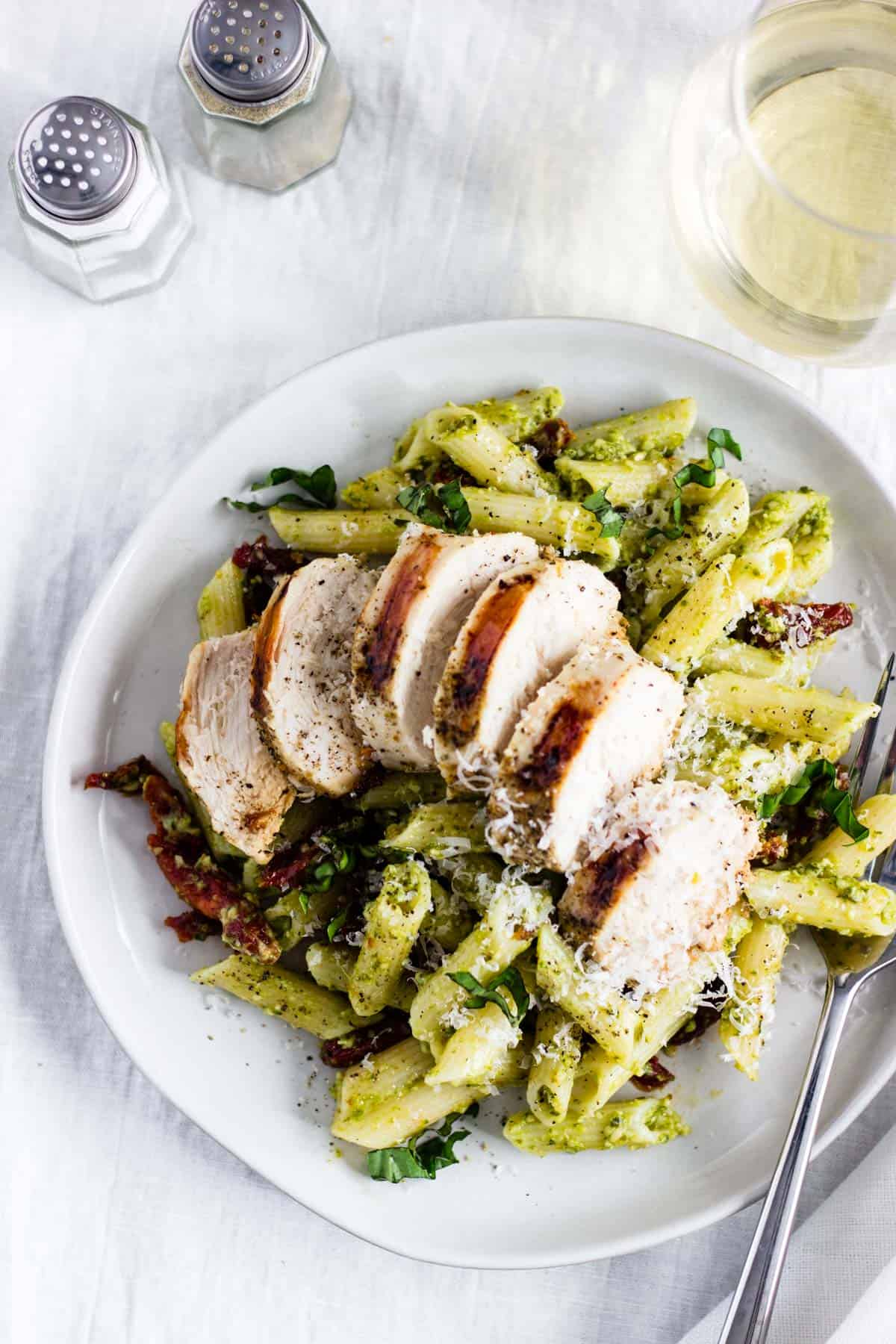 Creamy Pesto Pasta With Chicken Sun Dried Tomatoes Pass Me Some Tasty